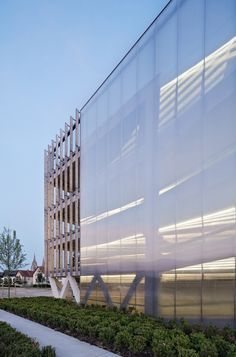 Gallery of Parking in Soissons / Jacques Ferrier Architectures - 12 Car Park Design, Parking Design, Architecture Cool, Contemporary Architecture, Installation Architecture, Unusual Buildings, Beautiful Buildings, Parking Building, Car Parking