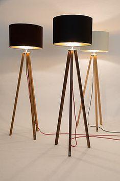 Stehlampe,Eiche,Tripod,Bauhaus Stil,Designer,Dreibein,Lampenschirm creme/Gold