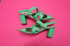 Vintage 1960s Mod Kelly Green Leather Sandal Pumps Block