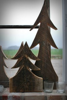 barn board pine tress - DIY idea. How easy would this be with a jig saw? :)