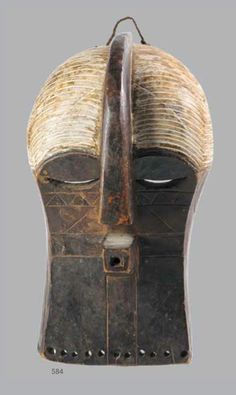 A SONGYE / LUBA KIFWEBE MASK, DEMOCRATIC REPUBLIC OF CONGO, 20TH CENTURY 37cm high PROVENANCE Ken Karner. Auction on 26th February 2014, Cape Town. Lots 491 – 634 Traditional African Art from the Colin Sayers Collection