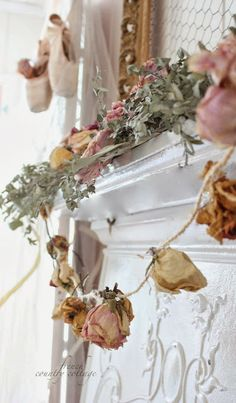French Country Cottage: Dried flower garland~ diy