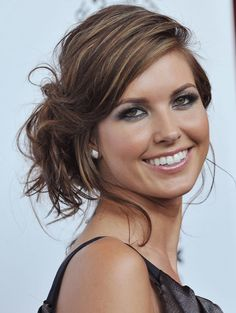 haar halflang Audrina Patridge- Elle N - haar Side Swept Hairstyles, Party Hairstyles, Messy Hairstyles, Straight Hairstyles, Wedding Hairstyles, Bad Hair, Hair Day, Audrina Patridge Hair, Bridal Hair Tiara