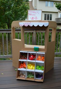 Greengrocer/produce stand made from cardboard - The detail is amazing!