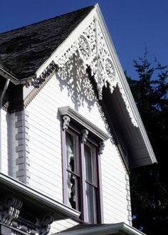 1000 images about victorian gable trim on pinterest for Victorian gable decorations