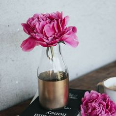 I LOVE peonies and can't wait for them to come back in season!  Like if you're a peony lover like me. 💐   💫 www.threesixfiveplus.com 💫