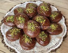 Le rame di Napoli sono dolci catanesi realizzati per la commemorazione dei defunti. Biscotti morbidi al cacao e glassa al cioccolato fondente