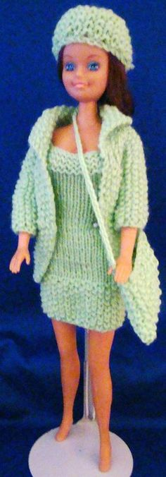 57 Ideas For Knitting Patterns Free Toys Clothing Barbie Dress Baby Knitting Patterns, Knitted Doll Patterns, Knitted Dolls, Crochet Dolls, Knitting Toys, Barbie Clothes Patterns, Crochet Barbie Clothes, Accessoires Barbie, Free Barbie