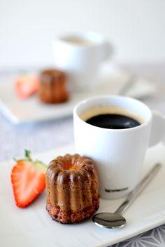 Café gourmand & cannelés. Coffee.
