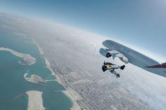 Yves Rossy et Vincent Reffet volent en jetpack au côté du plus gros avion du monde. Vidéo !