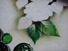 Veja como pintar essa linda folha com verde pistache oliva branco. - YouTube