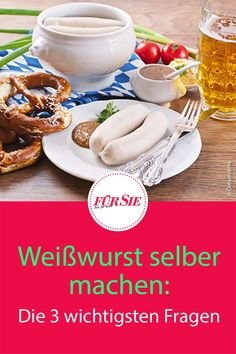 Weißwurst mit süßem Senf, Brezn und Weißbier – wer kennt die bayerische Oktoberfest-Spezialität nicht? Aber wie zuzelt man richtig? Unser Weißwurst-Ratgeber für Genießer! #Weißwurst #weißwurstfrühstück #brotzeit #brezn #Brezel #bayerischerezepte #brezn #bayerischeküche #alpenküche #oktoberfest #biergarten #fuersiemagazin Fondue, Burgers, Tacos, Mexican, Ethnic Recipes, Gourmet, Roast Leg Of Pork, Coleslaw, Kaiserschmarrn