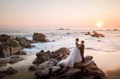 A bit more highlights of this wed season  . . Karla & Corey #TrashTheDress session. Cocos Beach Club March 2018 Organized by: @bodas_puertoescondido_pechef  . . #SunsetTV #DestinationWedding #wedding #Boda #playa #beach #sunset #bodamexicana #bodascommx #Mavicpro #djiglobal #unitedbydrone #drone #mavic #AlexKrotkov #PuertoEscondido #Oaxaca #Mexico