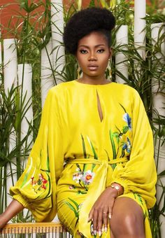 Discover recipes, home ideas, style inspiration and other ideas to try. Classy Dress, Classy Outfits, Chic Outfits, African Print Clothing, African Print Fashion, African Wear, African Dress, African Fashion Skirts, Women's Fashion Dresses