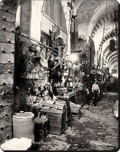 Egyptian bazaar - 1890 s Pictures Of Turkeys, Old Pictures, Old Photos, Vintage Photos, Istanbul Pictures, Poster City, Ankara, Latina, Turkish Art