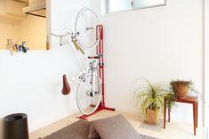 サイクルロッカー:室内用自転車スタンド「クランクストッパースタンドCS-650」 サイクルスポーツのニュース | サイクルスポーツ.jp Cycle Stand, Bike Storage, Hanging Chair, Bicycle, Furniture, Home Decor, Base, Ideas, Yellow