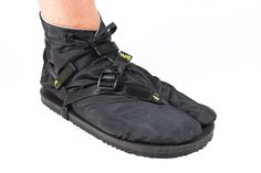 What? LUNA made a shoe? Not quite, it's the new TABU, a tabi bootie made with an MGT (Monkey Grip Technology) sole to mate perfectly with your MGT soled LUNAs. (sandals not included) We searched high-