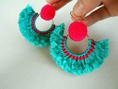 beaded earrings making Tassel Jewelry, Fabric Jewelry, Beaded Jewelry, Handmade Jewelry, Feet Jewelry, Jewellery, Diy Earrings Making, How To Make Earrings, Cute Anklets