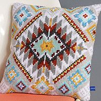 This Pin was discovered by Han Cross Stitching, Cross Stitch Embroidery, Embroidery Patterns, Hand Embroidery, Needlepoint Pillows, Needlepoint Stitches, Crochet Cushions, Tapestry Crochet, Cross Stitch Designs