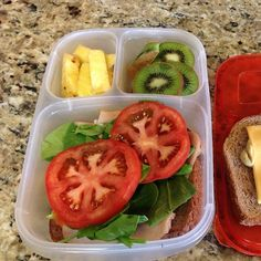 """""""Office lunch. Resist fast food and whatever else is in the conference room  @EasyLunchboxes #easylunchboxes"""" via gettingfitonabudget"""