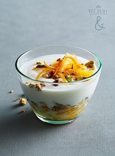 Pistasjnøtter & Appelsin & Revet Appelsin - Se flere spennende yoghurtvarianter på yoghurt.no - Et inspirasjonsmagasin for yoghurt.