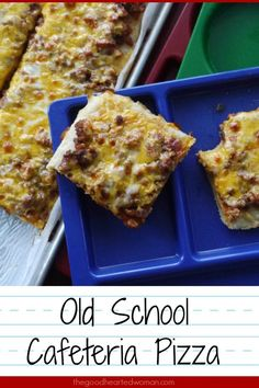 This Old School Cafeteria Pizza recipe captures the essence of all that was good in the school cafeterias of our youth. (Cafeteria ladies not included. School Cafeteria Pizza Recipe, Old School Pizza, School Lunch Recipes, Cafeteria Food, School Lunches, Square School Pizza Recipe, School Mexican Pizza Recipe, School Recipe, Pizza Recipes