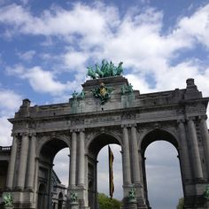 Arcades du Cinquantenaire / Triomfboog van het Jubelpark.  Its supposed to have some of the most beautiful architecture in Europe!!!