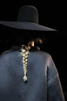 #fashion #avantgarde #dark #Minimal #simple #black #trends #style #wearing #runway #fashionweek