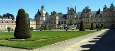 Php, Louvre, Mansions, House Styles, Building, Travel, Horse Shoes, Stairway, Palaces