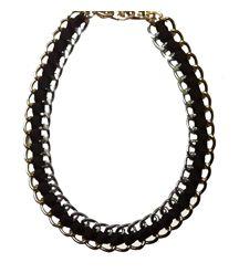 Collar Eslabones XL con cinta negra, Los collares adquieren unas medidas XL esta primavera. Decubre las tendencias en http://Alltrendy.es