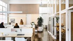 Workplace Design shortlist for the 2018 Australian Interior Design Awards. Interior Design Career, Australian Interior Design, Interior Design Awards, Interior Work, Interior Design Living Room, Interior Architecture, Australian Architecture, Scandinavian Office, Commercial Office Design