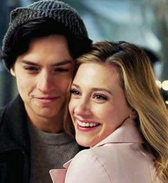 Riverdale Archie, Bughead Riverdale, Riverdale Memes, Movie Couples, Cute Couples, Stranger Things, Cole Spouse, Lili Reinhart And Cole Sprouse, Cole Sprouse Jughead