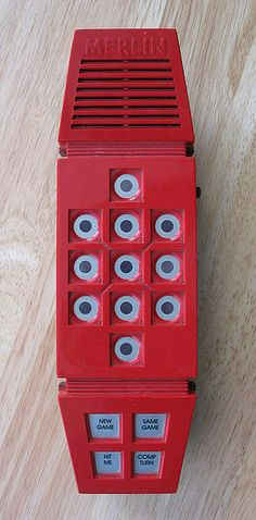 nostalgia Merlin game with sounds and red lights. I remember playing this thing a lot in the Such high tech! My Childhood Memories, Childhood Toys, Great Memories, School Memories, 1970s Childhood, Nostalgia, Toy History, British History, Retro Pop