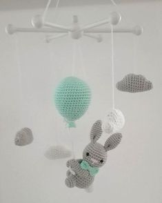 One of my favorite mobiles from last year ! One of my favorite mobiles from last year ! It& a shame if you can& take pictures (okay, and have no interest. Crochet Baby Mobiles, Crochet Mobile, Baby Girl Crochet, Crochet For Boys, Crochet Toys, Baby Knitting Patterns, Knitting Blogs, Crochet Patterns, Baby Nursery Diy