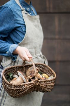 (via Smile, Beauty and More) Porcini Mushrooms, Wild Mushrooms, Stuffed Mushrooms, Beauty And More, Farmer's Daughter, Walk In The Woods, Slow Living, Mushroom Recipes, Country Life