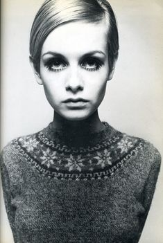 "Twiggy the fashion model. I think she weighed about 87 pounds soaking wet and was the new standard for ""thin."" I loved Twiggy 1960s Fashion, Look Fashion, Vintage Fashion, Simply Fashion, Vintage Beauty, Fashion Photo, Fashion News, Fashion Models, Fashion Outfits"