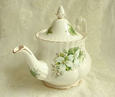 Vintage Royal Albert Trillium Bone China Teapot Full Size