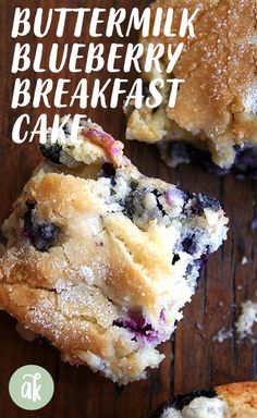 Buttermilk Blueberry Breakfast Cake Buttermilk Blueberry Breakfast Cake — this simple cake is a family favorite. I look forward to making it every spring/summer when the blueberries begin arriving at the market, but it works well with frozen berries, too. Easy Bread Recipes, Cooking Recipes, Cake Recipes, Blueberry Recipes, Blueberry Cake, Blueberry Buttermilk Breakfast Cake, Buttermilk Recipes, Breakfast Dishes, Gourmet Breakfast