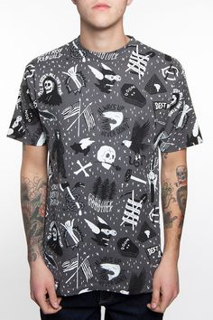 DOOMSDAY TRAIL GREY  GRAPHIC TSHIRT. SLATE WITH SKULL PATTERNS.