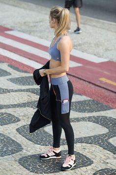 Details about Reebok Workout show Mesh Logo Womens Pants Leggings Fitness Sport show original title