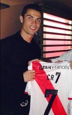 Cristiano Ronaldo #CR7 con la camiseta del River Plate de Argentina.