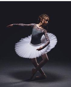 "Give the girl the right tutu and she can conquer the world ""Happy Tutu Tuesday """" PC @b.and.r.photo leo @elevedancewear tutu @tutugallerycostumes tights @primasoft #ballet#ballet_art#pointe#dancer#balletdancer#ballerina#ballet_a#theballetscene #balletpost#worldballetpriject#balletbeautifulgirls#balletinspiration1#balletclub#balletinaslife#balletpose#worldwidedance#aspiringballerinas1#aspiringballerina#balletphotography#balletstudent#balletgirl#lifeofaballerina #balletclassical#dancersw..."