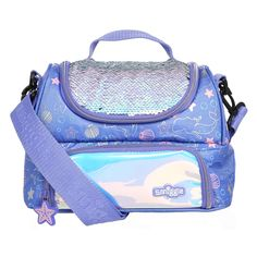 Shop colourful lunch boxes including bento, compartment & more at Smiggle now. Girls Lunch Boxes, Kids Lunch Bags, Kawaii Accessories, Barbie Accessories, Disney Frozen Toys, Makeup Kit For Kids, Pusheen Cute, Cool Fidget Toys, Snoopy Wallpaper