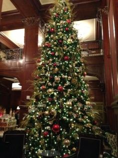 christmas-tree-at-the.jpg 337×450 pixels
