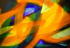 A formação de Felipe Senatore tem duas vertentes principais, a pintura e a música. Até hoje o artista associa a musica � sensação de felicidade, e desenvolve seu trabalho pictórico, ouvindo música clássica e música contemporânea de vanguarda.    De outro lado, Felipe tem um sólido aprendizado técnico, sendo engenheiro mecânico e analista de sistemas. È essa formação que talvez o tenha levado a pesquisar novas técnicas de pintura e inusitados usos de aglutinantes e pigmentos.