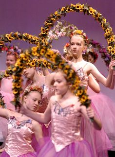 Holiday Photo Tutorials: How to take better pictures at stage performances and recitals