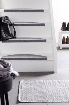 Staircase Wall Decor, Shoe Rack, Interior Design, Inspiration, Home Decor, Style, Fashion Styles, Stairs, Nest Design