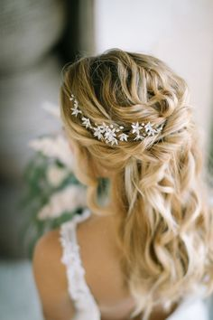 Look at the webpage to read more about bridal hairstyles easy Bridal Hair Vine, Wedding Headband, Bridal Tiara, Bridal Crown, Wedding Dress, Romantic Hairstyles, Crown Hairstyles, Wedding Hairstyles, Bohemian Headpiece