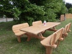 Long Picnic Table with High Back Benches Diy Picnic Table, Wooden Picnic Tables, Outdoor Picnic Tables, Picnic Table Plans, Outdoor Garden Bench, Wooden Garden Benches, Diy Garden Fence, Diy Table, Wood Pallet Beds