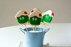 Dorothy The Dinosaur Sugar Cookies:  How to make and decorate Dorothy the Dinosaur Sugar Cookies.